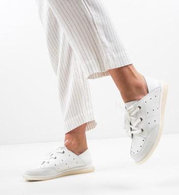 Ежедневни обувки Bessie Бели