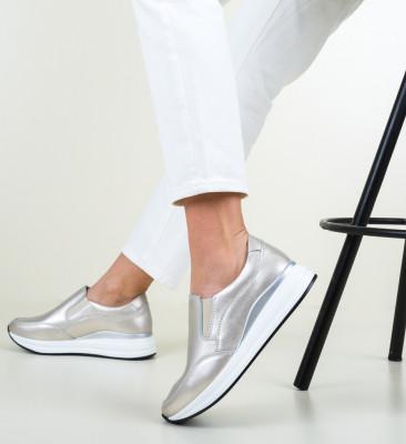 Ежедневни обувки Gemma Златни