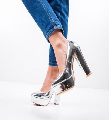 Обувки Alexis Сребърни