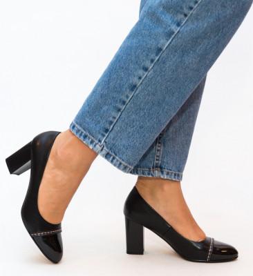 Обувки Darla Черни