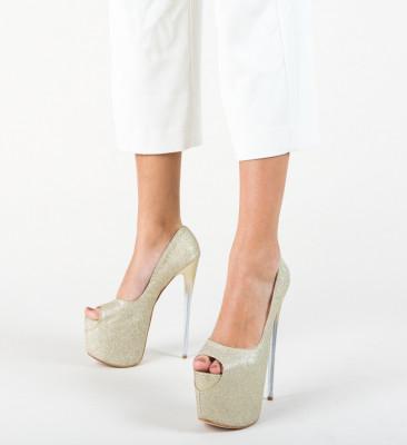 Обувки Munteania Златни