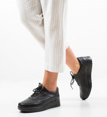Ежедневни обувки Eve Черни