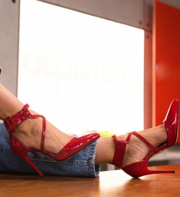 Обувки Bruno Червени