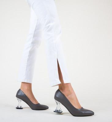 Обувки Garnet Сив