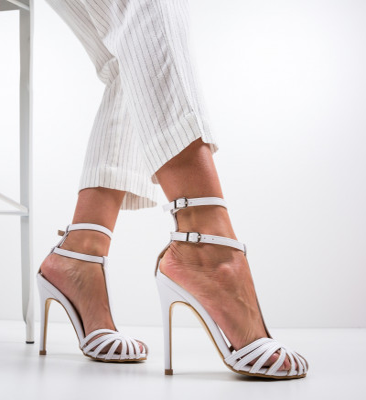 Обувки Jordanne Бели