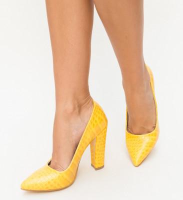 Обувки Merez Жълти