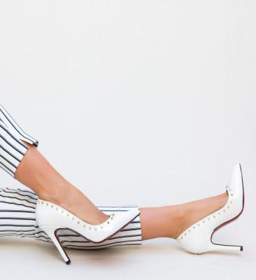 Обувки Nicor Бели