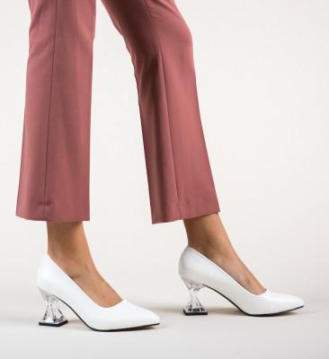 Обувки Garnet Бели