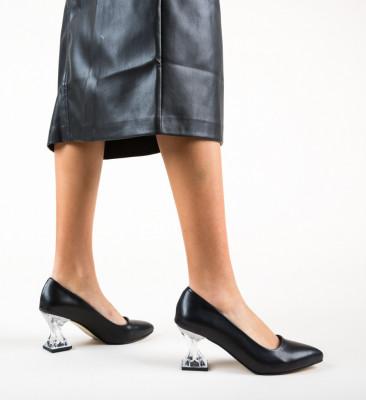 Обувки Garnet Черни