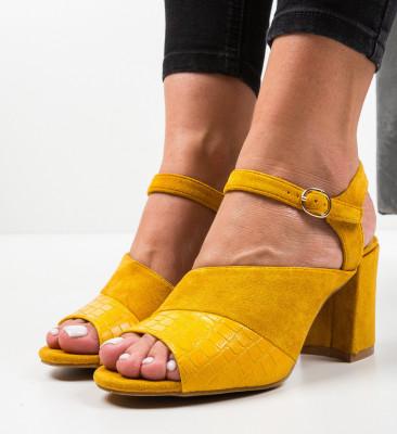 Сандали на ток Orozco Жълти