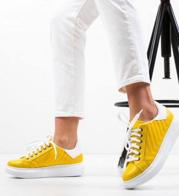 Спортни обувки Mandro Жълти