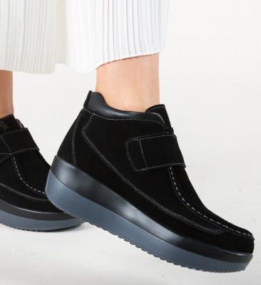 Ежедневни обувки Zahraa Черни