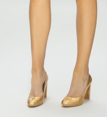 Обувки Пого Златни