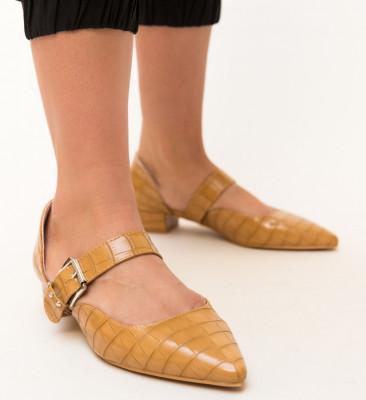 Обувки Jakub Бежови