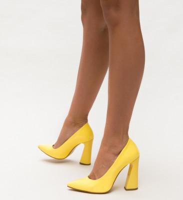 Обувки Jude Жълти