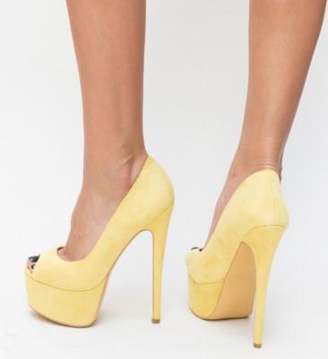 Обувки Soja Жълти