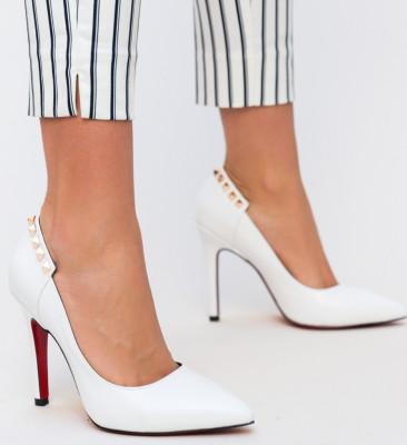 Обувки Chester Бели