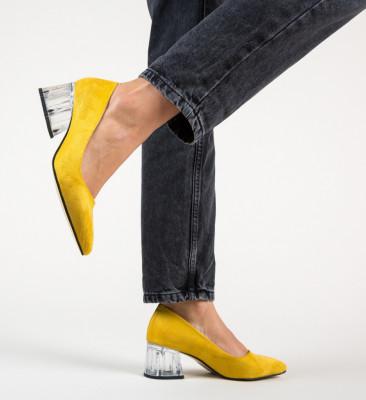 Обувки Dove Жълти