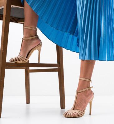 Обувки Jordanne Нуд