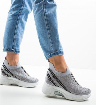 Спортни обувки Farre Сив