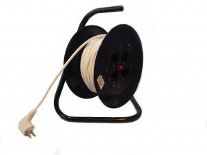 Prelungitor cu derulator (ruleta) 3x1.5mm