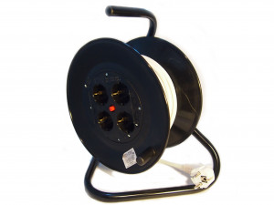 Prelungitor cu derulator (ruleta) 3x2.5mm