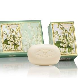 Cutie cadou - 3 x 150g sapunuri sculptate - cu aroma naturala de lacramioare