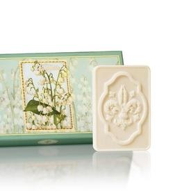 Cutie cadou - 3 x 125g sapunuri sculptate - cu aroma naturala de lacramioare