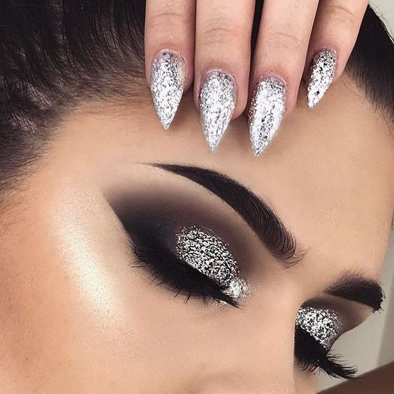 Trusa Glitter Ochi Metallic Glam