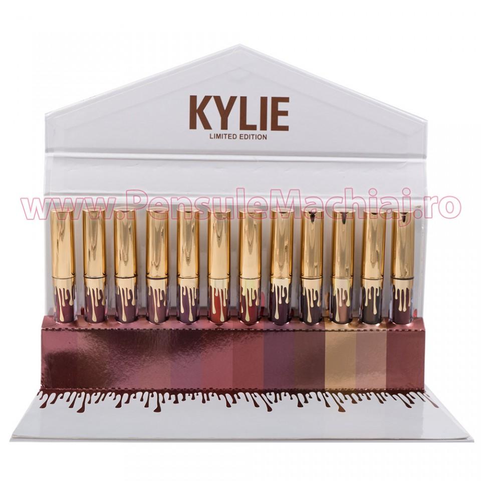 Set Rujuri Lichide Mate 12 Culori Kylie Limited Edition