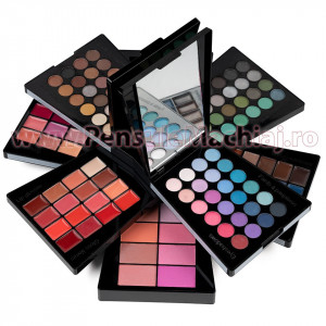 Trusa Machiaj Multifunctionala 132 culori Ever Beauty Make Up Palette