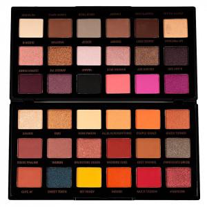 Trusa Farduri MakeUp Revolution x Petra Eyeshadow Palette