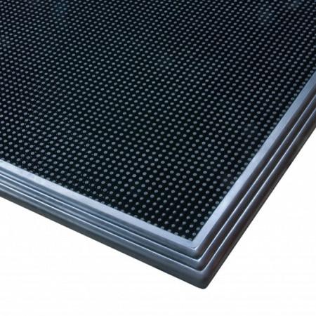 Otirač dezo-barijera Sani-Trax [346]61cm x 81cm je dezinfekcioni otirač koji čisti i dezinfikuje obuću.