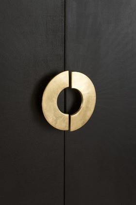 Wandkast Mango Hout 2 deuren 3 laden/ Zwart/Goud 140cm
