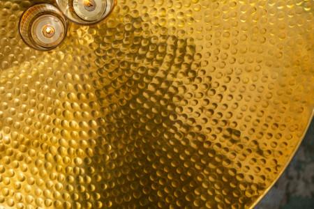 Handgemaakte salontafel met opbergruimte STORAGE 70cm goud gehamerd design