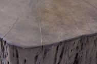 Stevige salontafel GOA 70cm grijze acacia boomstam met unieke wielen