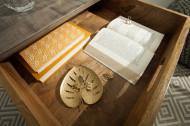Retro bijzettafel SCORPION 50 cm grijs mangohouten haarspeldpoten met lade