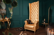 Barokke troonstoel HERITAGE goud met decoratieve klinknagels Chesterfield fauteuil