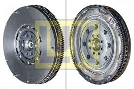 Poze Volanta AUDI A6 (4B2, C5) 2.4, LUK 415 0071 10