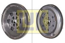 Volanta si kit ambreiaj VW Passat B7 2.0 TDI cu Start/STOP