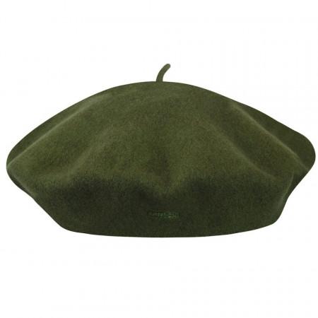 Kangol-bereta-verde-modelaine