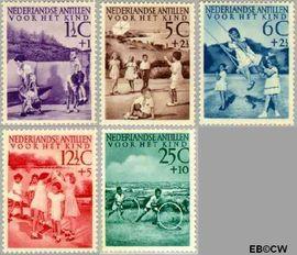 Nederlandse Antillen NA 234#238  1951 Kinderspelen 25+7½ cent  Postfris