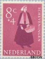 Nederland NL 709  1958 Klederdrachten 8+4 cent  Postfris