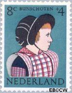 Nederland NL 749  1960 Klederdrachten 8+4 cent  Postfris