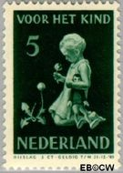 Nederland NL 377  1940 Kind met bloemen 5+3 cent  Gestempeld