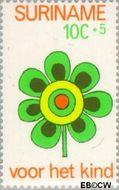 Suriname SU 607  1973 Kinderwereld 10+5 cent  Gestempeld