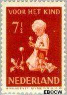 Nederland NL 378  1940 Kind met bloemen 7½+3½ cent  Gestempeld