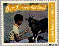 Nederlandse Antillen NA 400  1968 Kind en dier 25+10 cent  Gestempeld