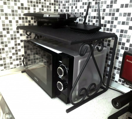 Suport fier forjat StefiArt pentru cuptor cu microunde 54x33 cm