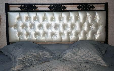 Pat dormitor tapitat , César fier forjat, tapiterie piele ecologica 160x200 cm